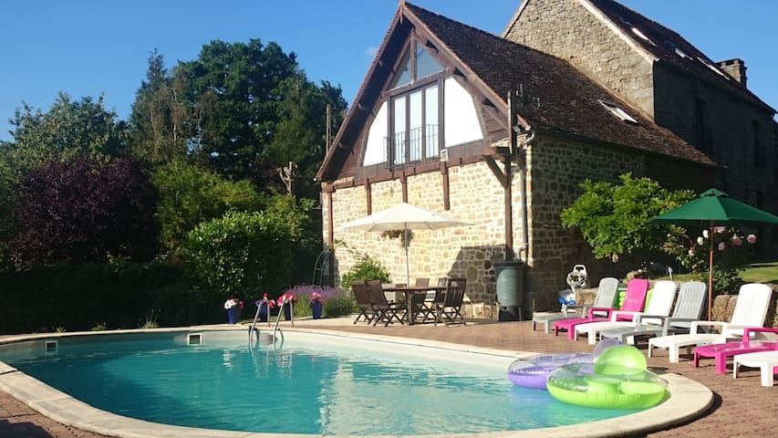 Farmhouse with heated swimming pool - Saint-Sauveur-de-Carrouges - Casa