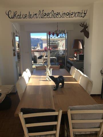 Appartement de charme vue panoramique - Les Angles - Appartement en résidence