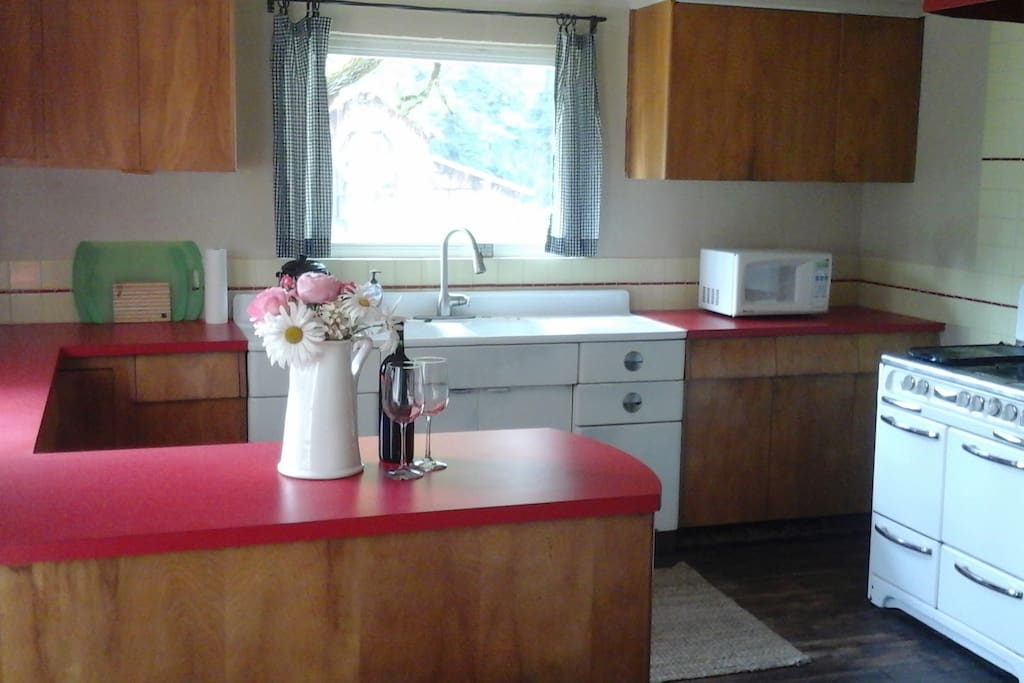 Kitchen with propane stove/oven
