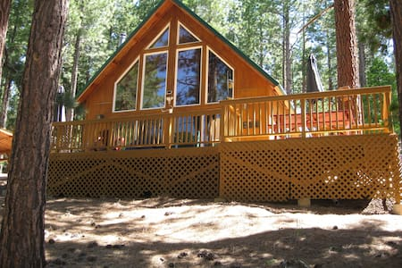 Grizzly Creek Estates Chalet on 24 acres