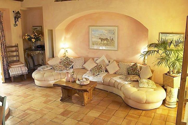 Massimo, apartment in  Arzachena, Costa Smeralda - Mulino di Arzachena - Apartmen
