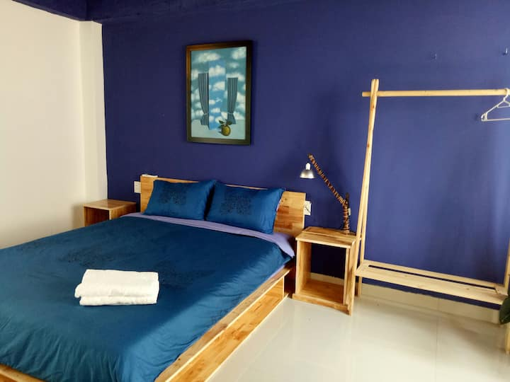 COOL AND COMFY ROOM