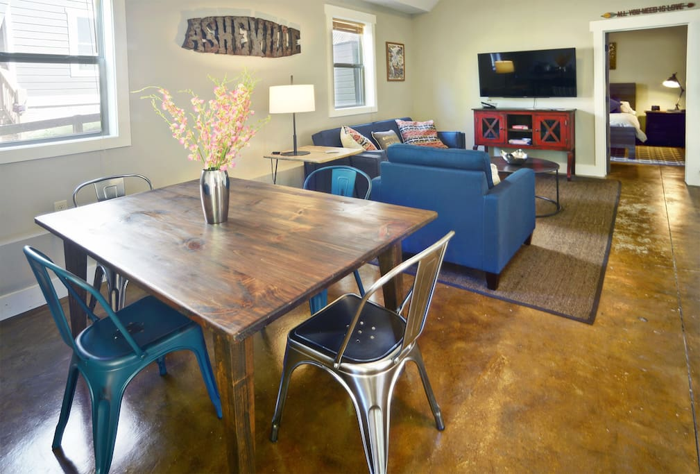Spacious Apt W Deck Quiet Private Walk Downtown Apartments For Rent In Asheville North