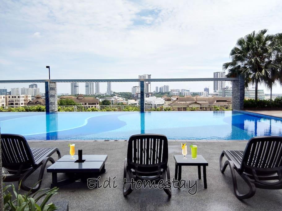 Infinity View Swimming Pool