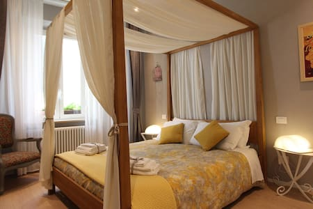 COSY AND TASTEFUL APARTMENT IN THE HEART OF LUCCA