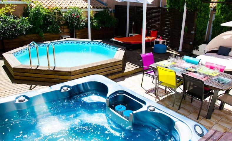 Naturisme villa jacuzzi piscine terrasse jardin c1 for Caps uqtr piscine