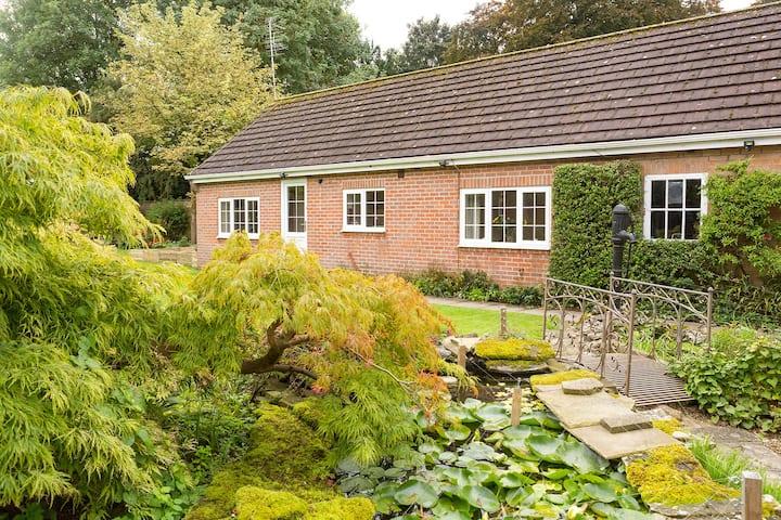 Detached Self-Contained Garden Annex In York