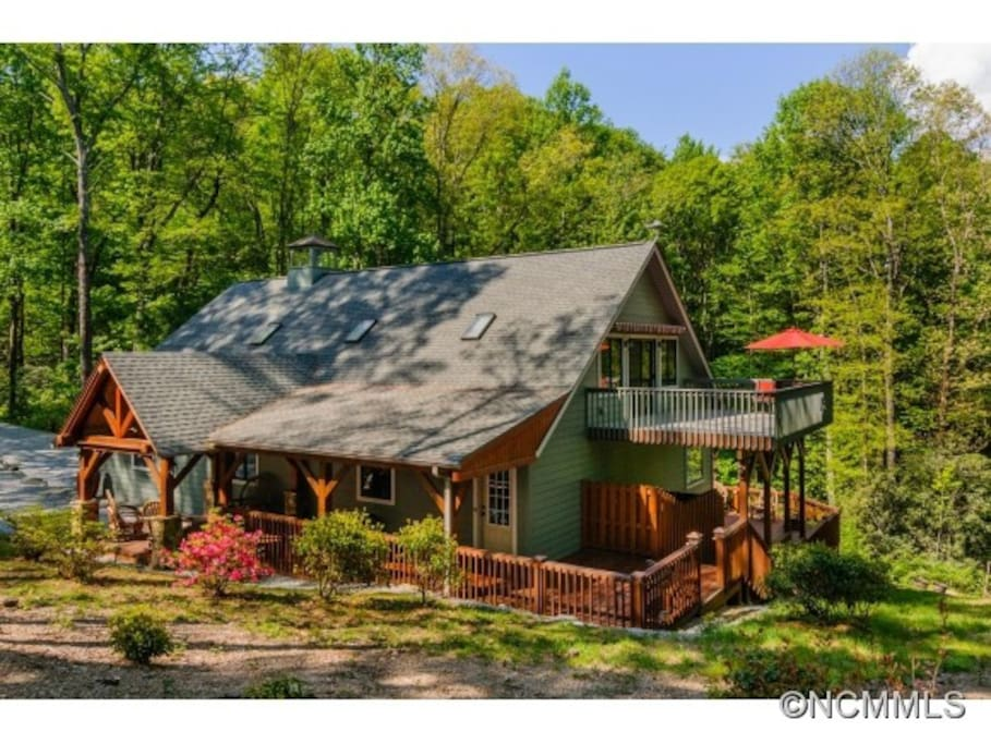 Climbing bear cottage case in affitto a lago toxaway for Cabina lago north carolina