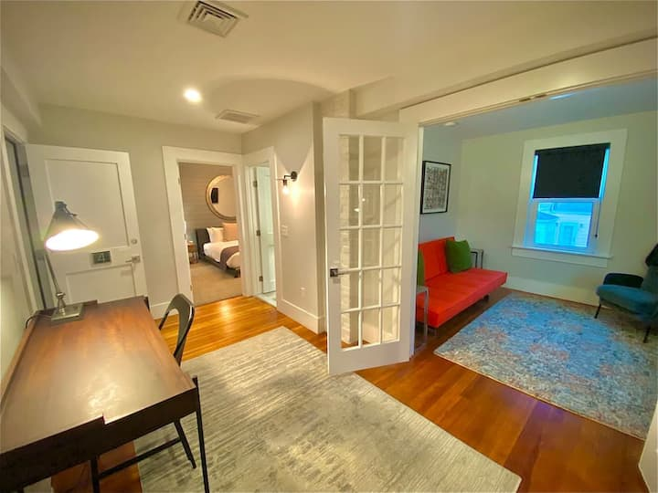 Downtown Newport 2bed/1bath perfect vacation