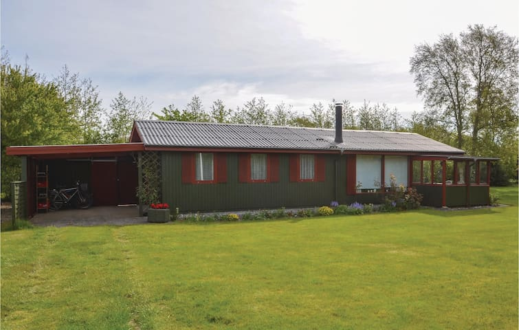 Holiday cottage with 3 bedrooms on 60m² in Vinderup