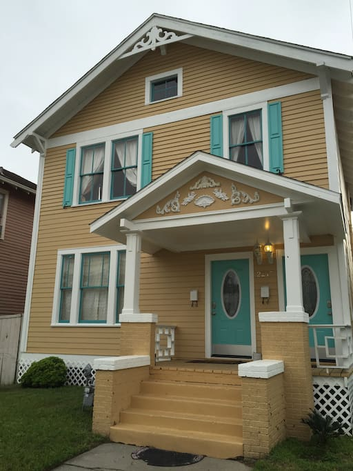 Totally remodeled historic home, built in 1917, you'll stay in lower flat