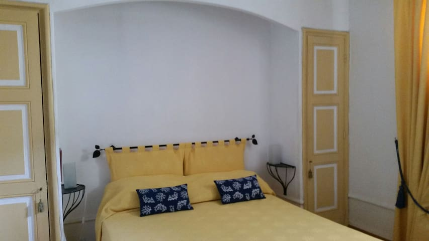 The provençal bedroom
