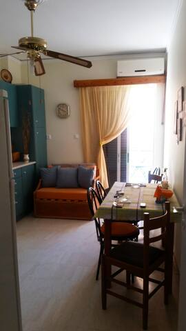 Anavyssos apartment near the sea - Anavissos - Apartemen