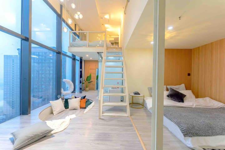 【一屿·艾】五一广场,坡子街上。4.2米落地窗阳光江景房,loft北欧轻奢公寓。做梦都甜甜的。