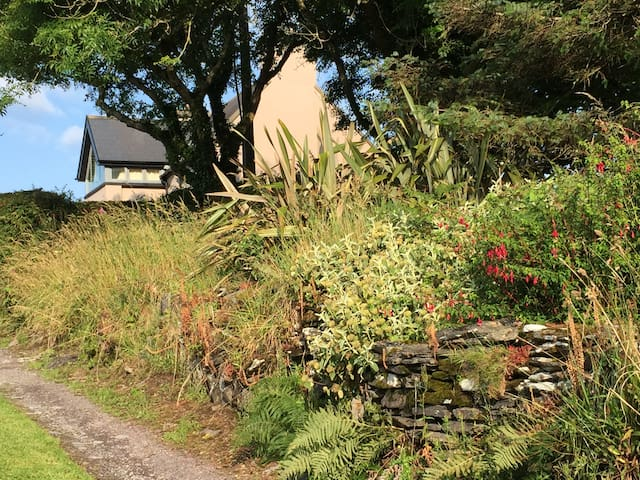 Cottage with stunning views, Rosscarbery, Co Cork - Rosscarbery - Casa