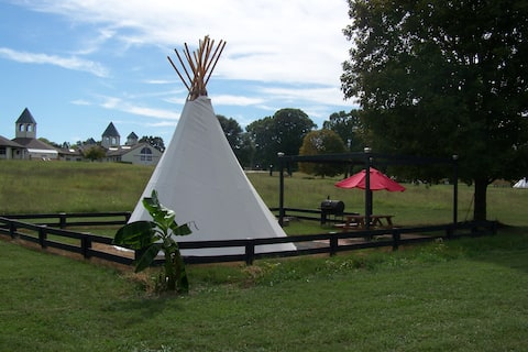 Cherokee North Indian Teepee on Starstruck Farm!