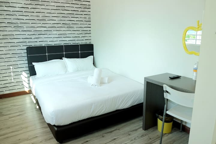 Natol Motel - Paris (Double Room)