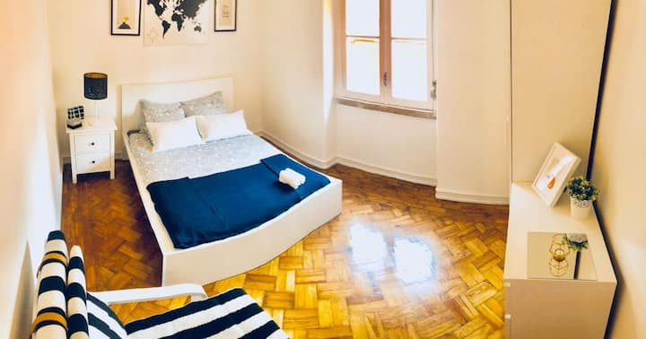 (CENTRAL DOUBLE ROOM IN LISBON, CITY CENTRE)