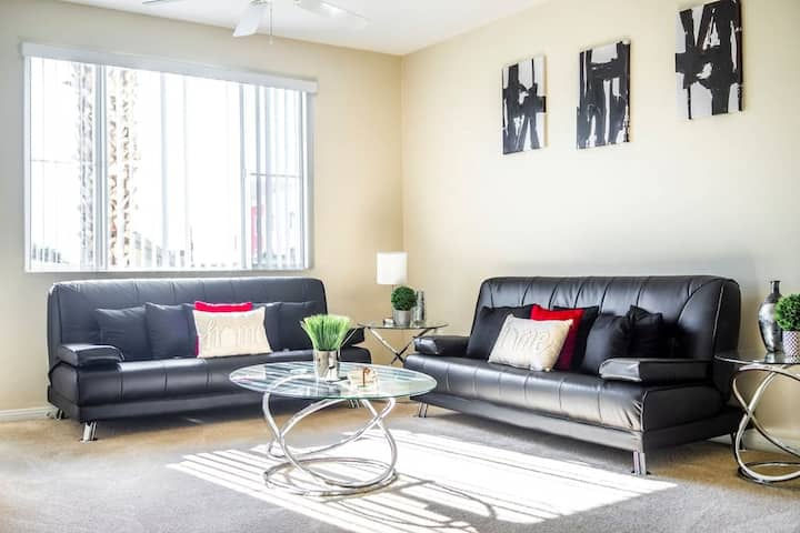 Comfy Modern-Close To Disney,Knotts,Convention Ctr