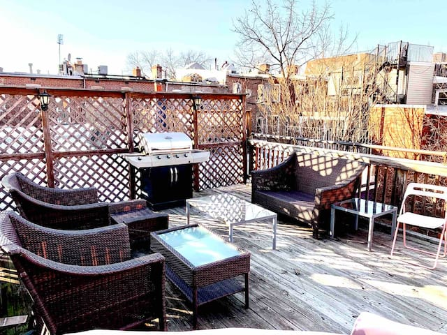 2 Story Condo w/ Private Rooftop in the ❤️ of DC!