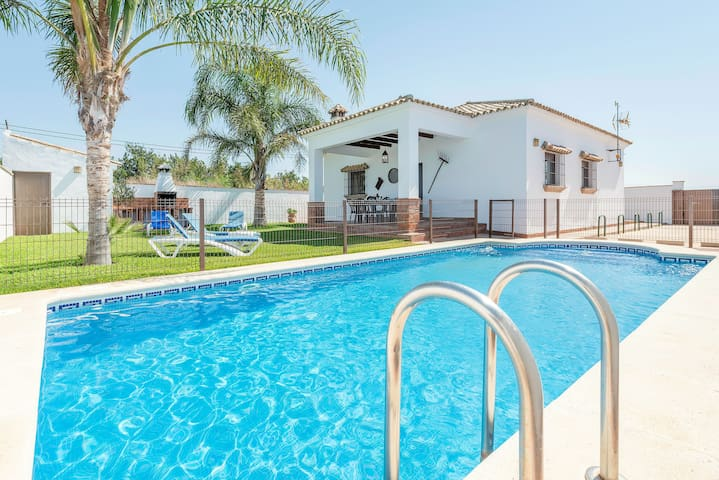 Holiday home in a quiet location - Villa Conilsur