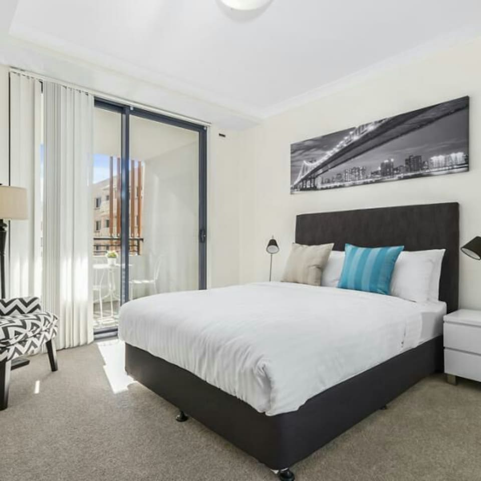 With a combination of comfort, privacy and space, this modern and well-appointed one bedroom apartment is your home away from home. The apartment consists of a large bedroom with direct access to the balcony or courtyard. It has quality stone kitchen, sleek stainless steel appliances as well as spacious and contemporary living, dining and study area. The building provides secure access for residents with parking, air conditioning, high speed NBN internet and lift access. Located within aminutes walk to Westfield shopping mall and with easy access to the Hume Highway, M5 and M7 motorways. Thetrain station is just a short stroll away withservices to Sydney CBD,Parramatta and Campbelltown. There is also direct access tofrequent bus services.