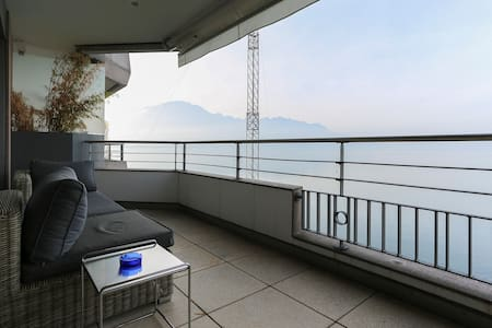 Central Montreux at the lake - Montreux - Appartement