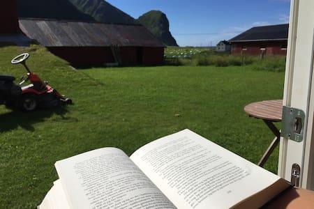 Unstad, Lofoten: Lovely place near the beach - Vestvågøy