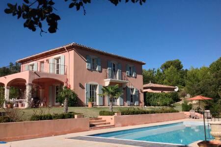 5 Bedroom Stunning Villa, Private Pool,Tourtour - Tourtour, Var