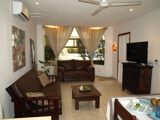 Central Tamarindo! 3 Minute Walk to the Beach!