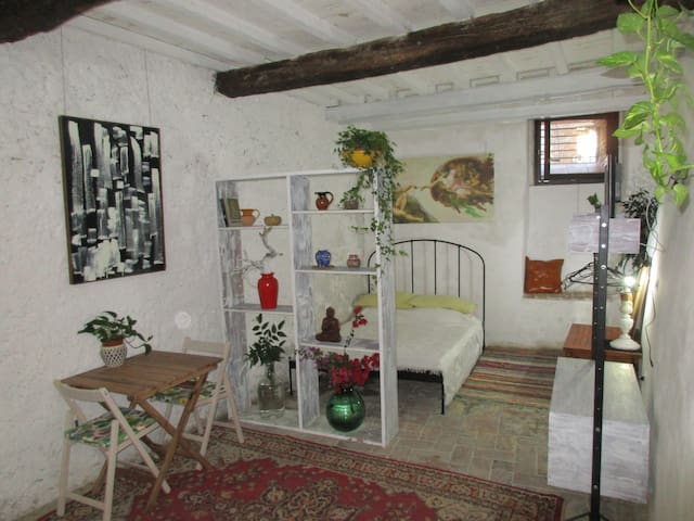 Canti Room
