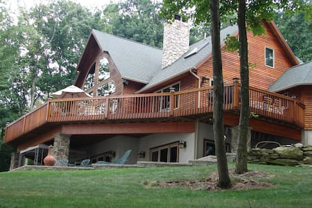 Lake Wallenpaupack Luxurious Lakefront - Lakeville - Appartement