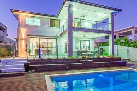 Luxury Home, Waterfront, close to theme parks - Hus