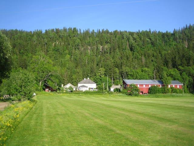 Madame Tveten -en gård for våre gjester