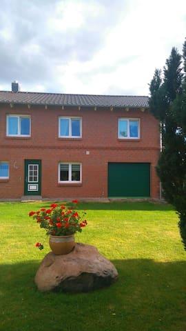 Modernes Haus auf dem Land - Barkhagen - Talo