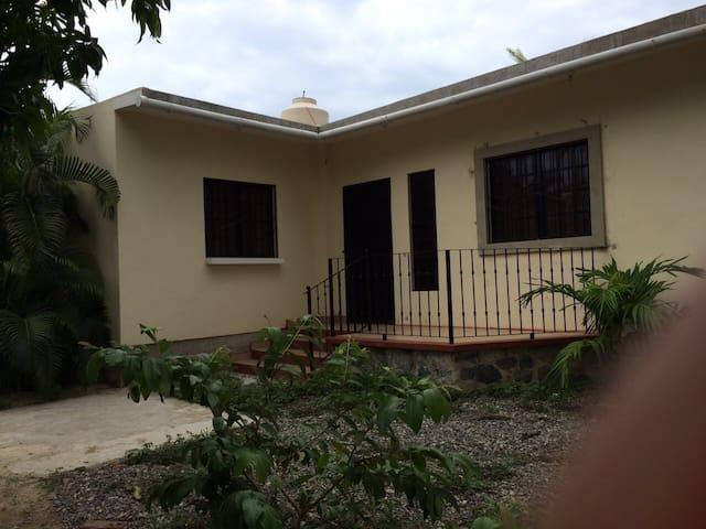 CASA ENTERA RENTA 2 Hab. 1.5kmplaya - San Patricio - House