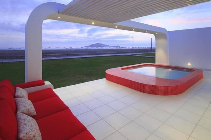 Beautiful beach house in Playa Palabritas