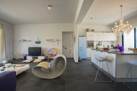 Aster Suite, beautifully decorated, Modern, WiFi