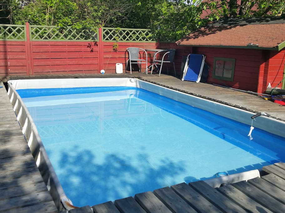 A 6X3 meter old pool is available in the summer. No heating, but it has 18 degrees most of the summer until August still.