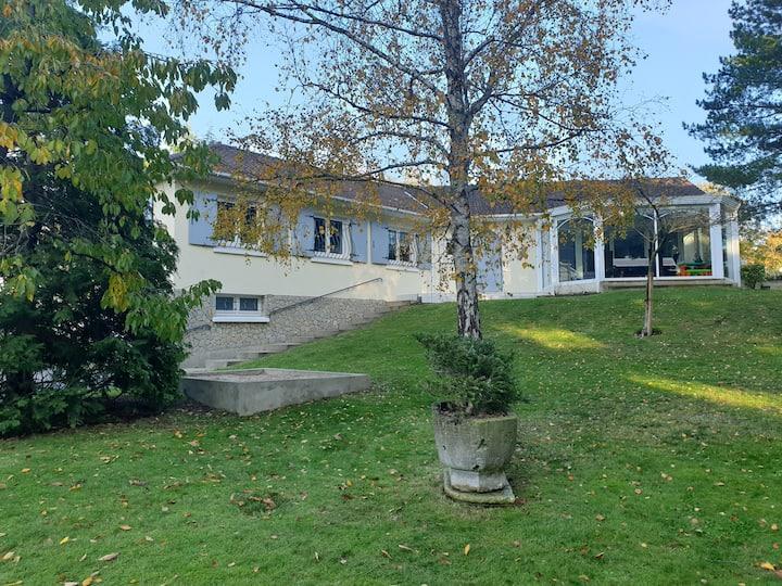 Villa Sunny avec jardin à 1 km de la plage