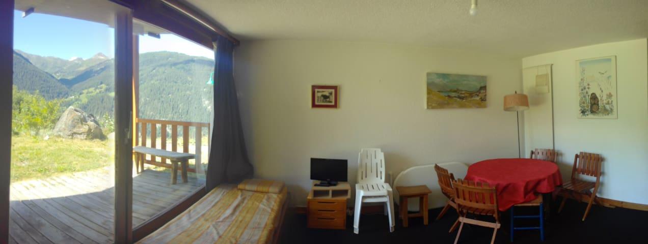 34 m² facing south, direct access to garden (02)