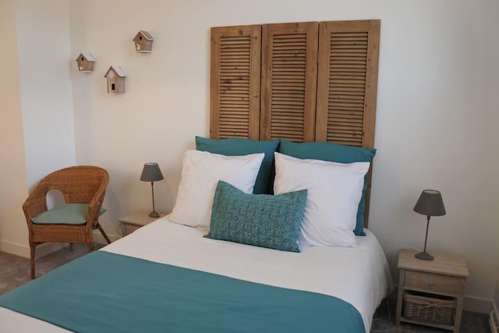 """Chez Louise"" - chambre d'hôtes n°2 - Albert - Bed & Breakfast"