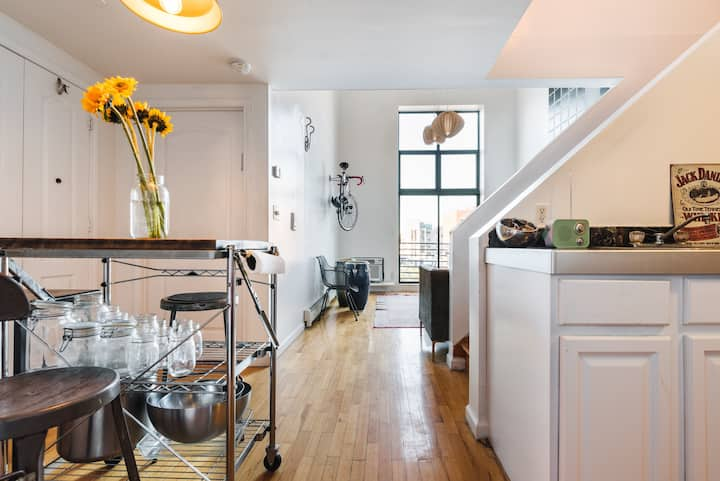 Williamsburg dream loft, steps from 3 subway lines
