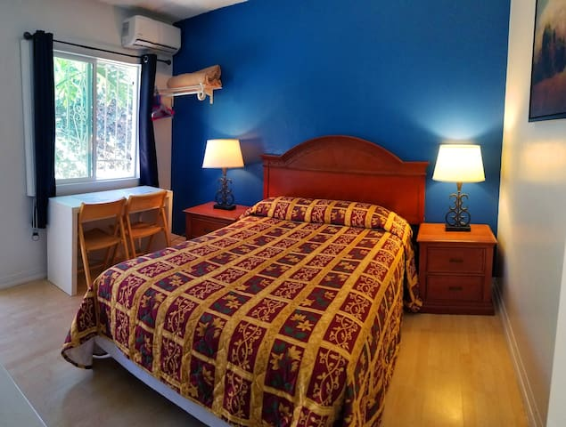 Cozy 2 Bedrooms/Kitchenette by Venice Beach B2