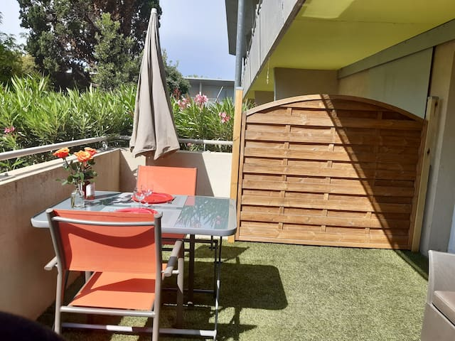 Studio avec terrasse et parking
