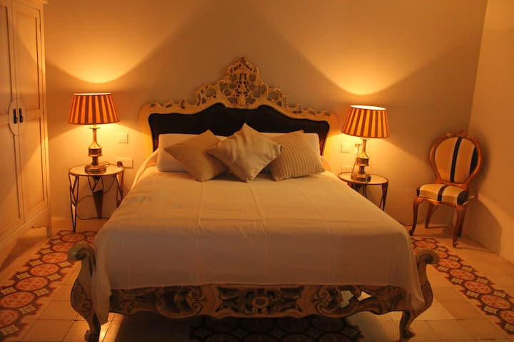 Deluxe Penthouse Suite at Maleth Inn Guesthouse
