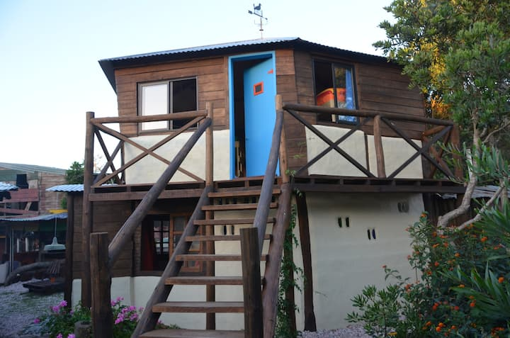 Dormitorios compartidos en La Brújula Hostel