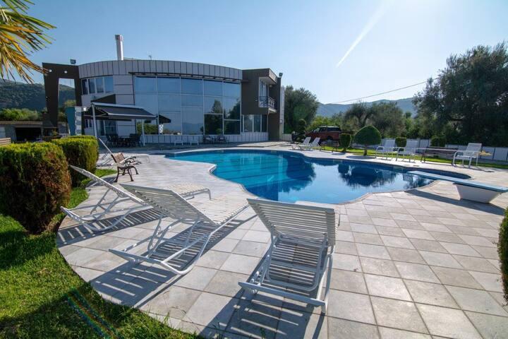 Villa TATA - Πολυτελής χώρος για διακοπές
