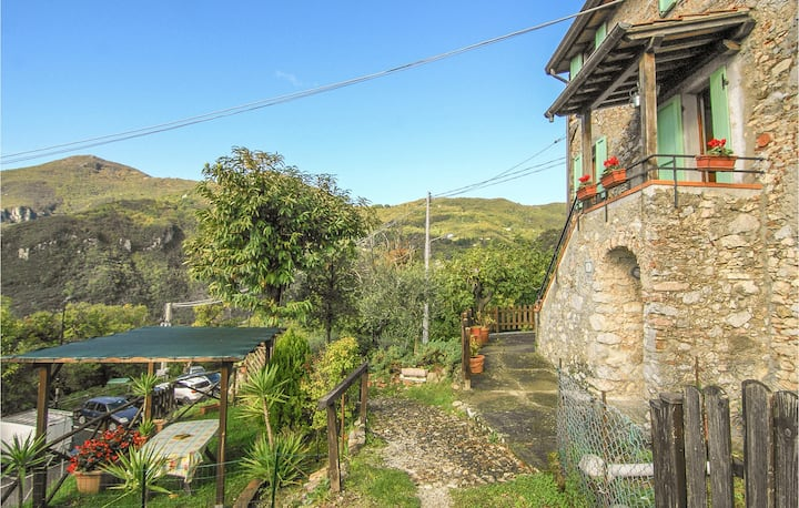 Terraced house with 2 bedrooms on 70m² in Metato Camaiore LU