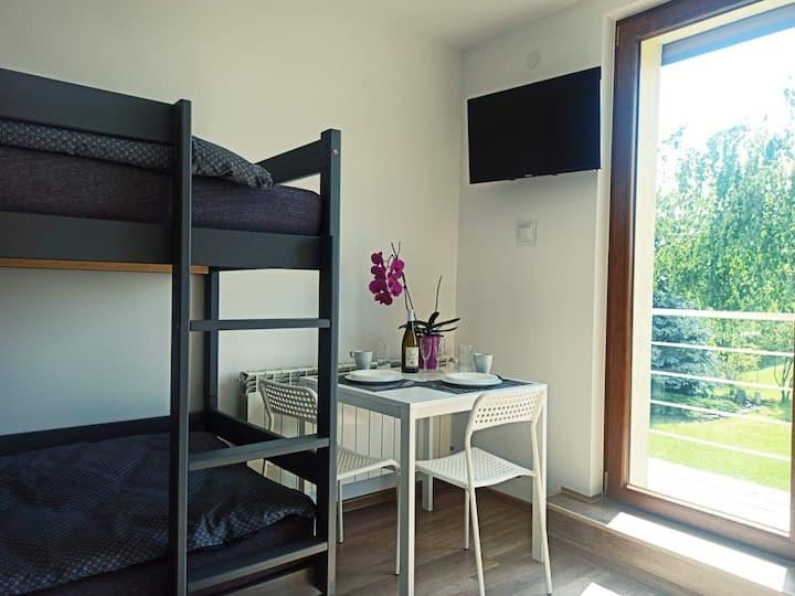 """Pokój 2+2 z łazienką, balkonem i klimatyzacją  """"A"""""""